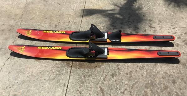 Photo Nice Pair of Sea-Doo Water Skis - $60 (Holiday,FL)