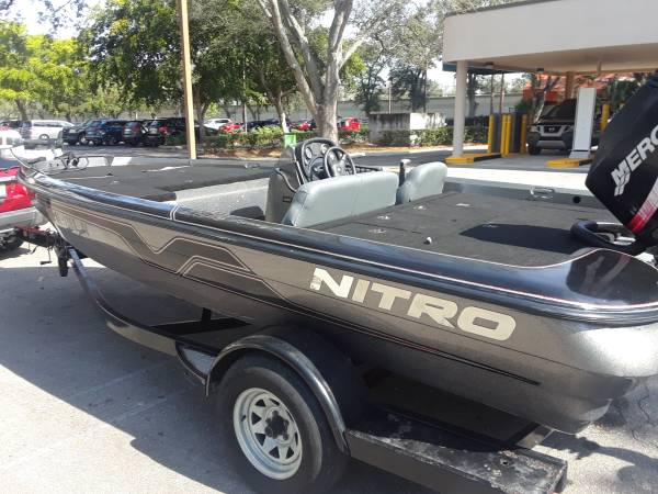Photo Nitro Bass Boat - $5700 (Sebring)
