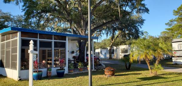 Photo RV with add-on rooms (Dover)