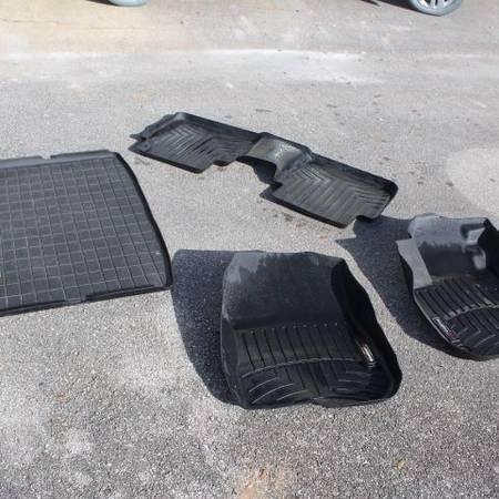 Photo Weather Tech Floor  Cargo Mats 2018 Honda CR-V - $70 (Sebring)