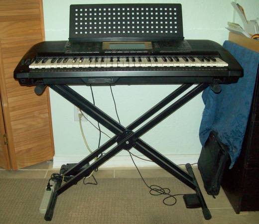 Photo Yamaha PSR-730 with stand, pedal, case - $425 (New Port Richey)