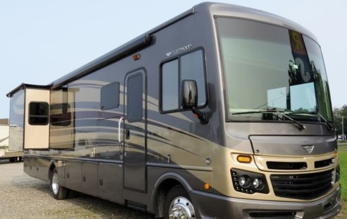 Photo Used 2017 Fleetwood Class A RV  $109995