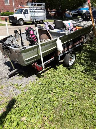 Photo 14 ft aluminum boat with trailer - $1,200 (Clinton)