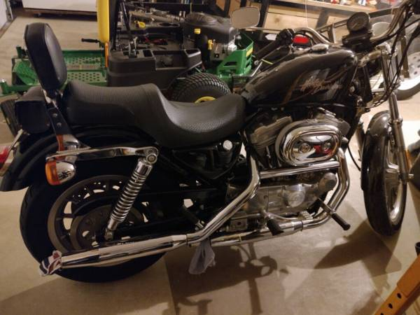 Photo 2001 Harley Sportster 883 - $4,500 (Tolono)