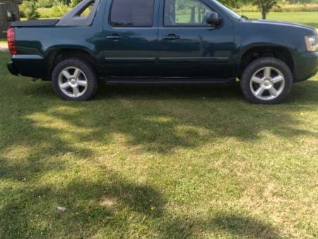 Photo 2007 Chevy Avalanche - $7,000 (Chaign)