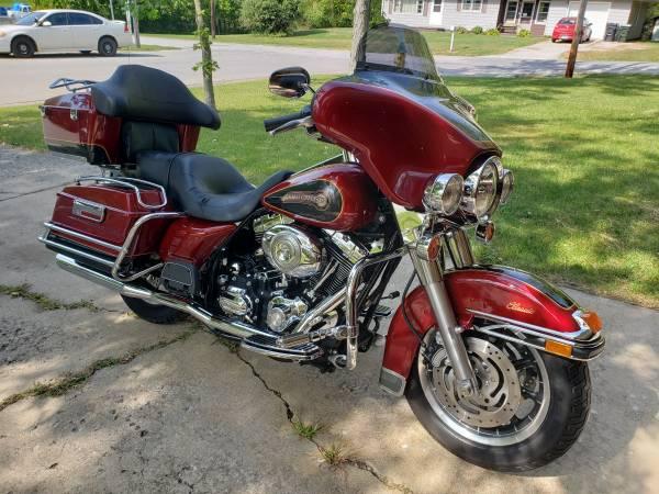 Photo 2007 Harley Davidson Electra Glide Classic - $11,000 (Mt.Zion)