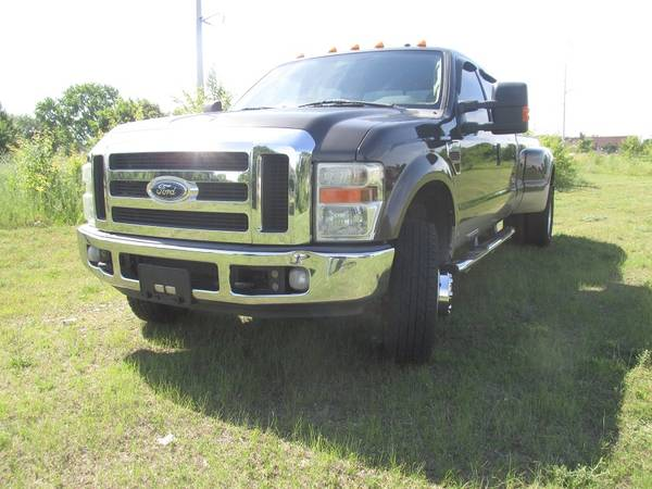 Photo 2008 Ford F 350 Lariat Dually - $20,500 (CHAMPAIGN)