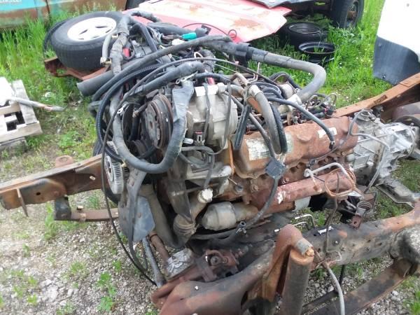 Photo 7.3L ford diesel engine - $200 (Monticello, IL)