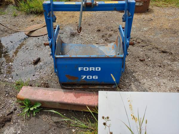 Photo Ford Dirt Scoop, 706 - $150