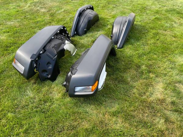 Photo Full Set Jeep Wrangler JL New Take Off Fenders w Flares  Inner Wells (SW Chaign)