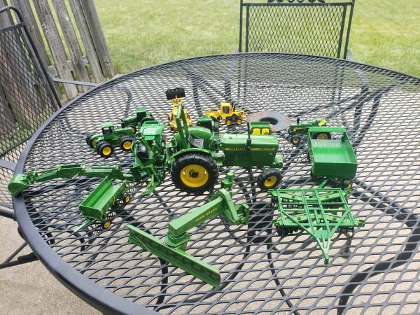 Photo John Deere lot of tractors - $29 (danville)