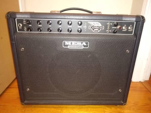 Photo Mesa Boogie 550 Express 1x12 - $750 (Chaign)