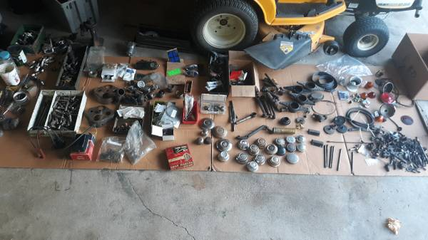 Photo PARTS.lots of model a and some model t for $250 - $180 (Paxton)