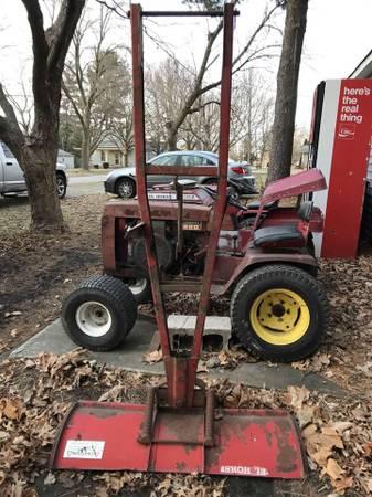 Photo Wheel Horse andor Parts - $601 (Ivesdale)