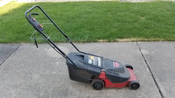 Photo Yard Machines Electric Lawnmower Lawnmower - $40 (Urbana)
