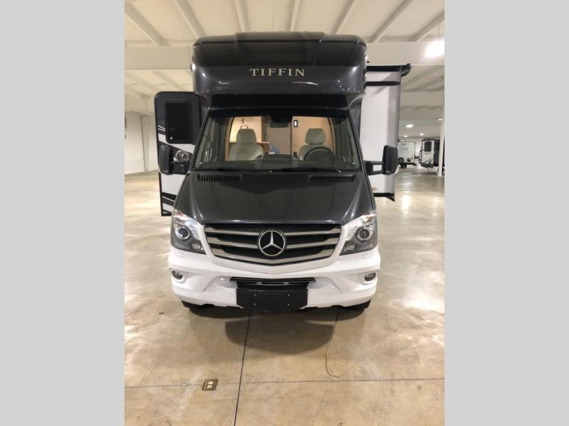 Photo Used 2018 Tiffin Motorhomes Class C RV  $119900