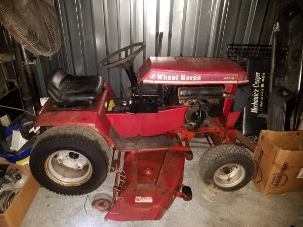 Photo 1980 Wheel Horse Tractor 417 - $950 (Fayetteville)