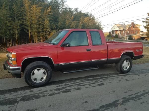 Photo 1996 Chevy Silverado 4x4 (NICE MUST SEE) - $4400 (ChambersburgWaynesboro)