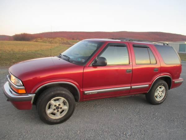 Photo 1999 Chevy S10 Blazer 4x4 - $1800 (Waynesboro, Chambersburg)