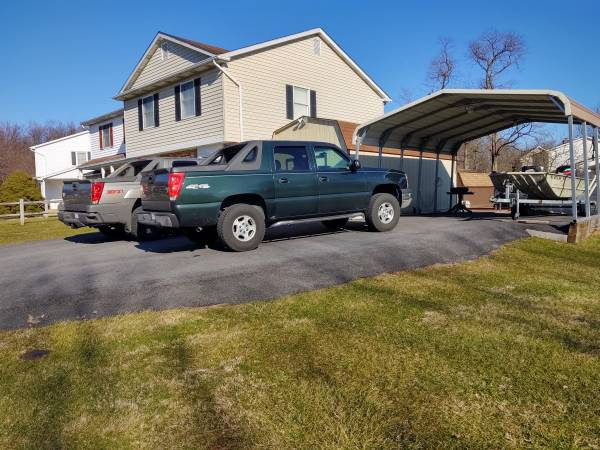 Photo 2003 Chevy Avalanche 4x4 - $7500 (Fairfield Pa)