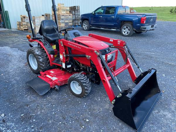 Photo 2014 Mahindra Max 24 Compact Diesel Mower Loader Tractor 62hrs 4x4 - $12,250 (Biglerville)