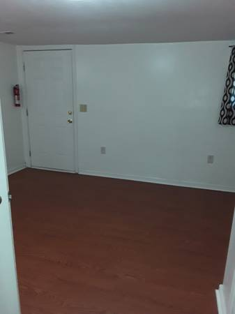 Photo 2 Rooms for Rent To Responsible Female, Private Entrance (Martinsburg)