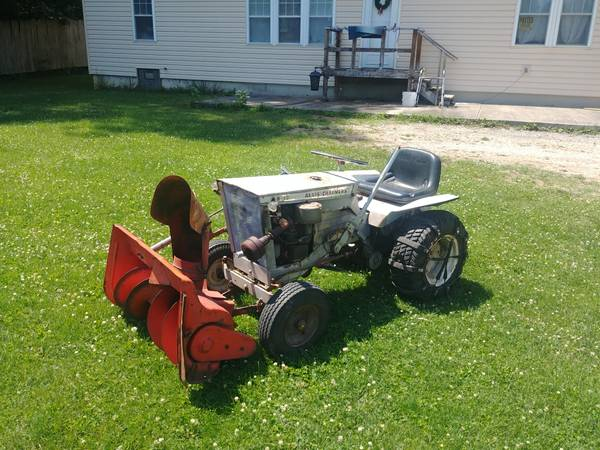 Photo Allis chalmers b10 lawn tractor - $450 (Chambersburg)