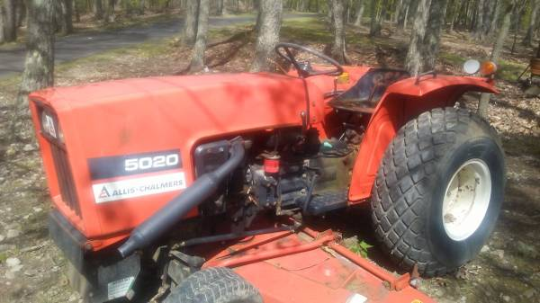 Photo Allis chalmers tractor with belly mower low low hours - $3,500 (Chambersburg)