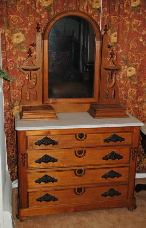 Photo Antique White Marble Top Wood Dresser with Mirror - $400 (Shippensburg)