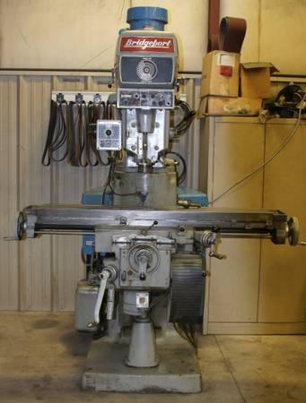 Photo BRIDGEPORT SERIES II MILLING MACHINE - $7,500 (MECHANICSBURG,PA)