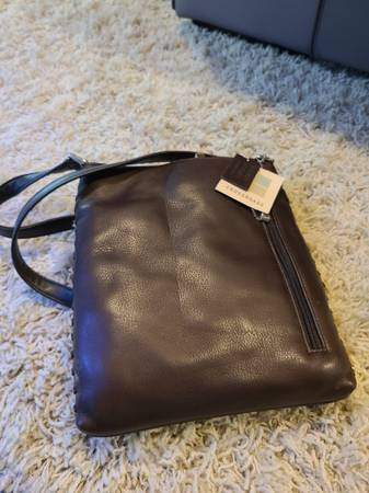 Photo Brand new crossroads purse with tags dark brown leather - $10 (Harrisburg)