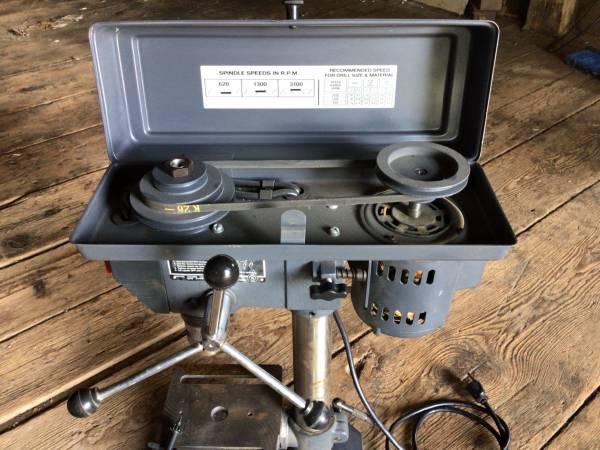 Photo Craftsman 8 bench model drill press (Biglerville)