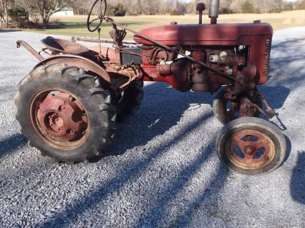 Photo Farmall Super A Tractor - $1,800 (Williamsport)