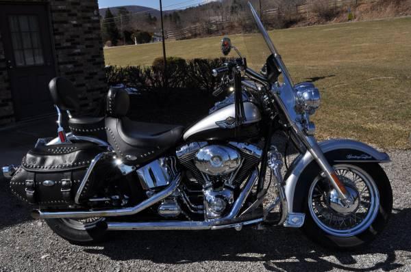 Photo HD Heritage Softail Classic - $6,995 (Altoona,Pa)