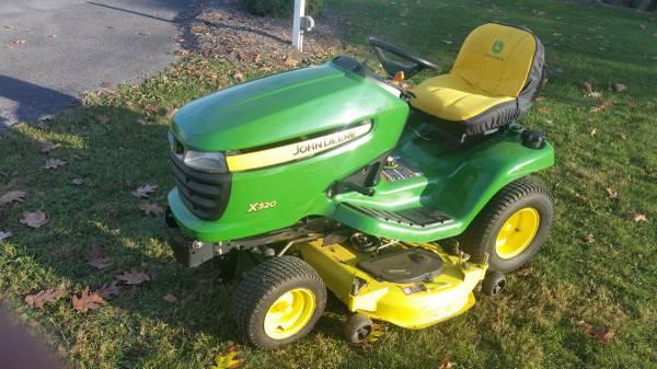 Photo John deere tractor X320 - $1,935 (Carlisle)
