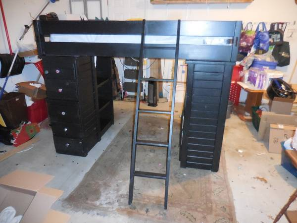 Photo KIDS AMERICAN WOODCRAFTERS TWIN LOFT BED CHILDRENS - $275 (fayetteville)