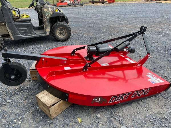 Photo New Dirt Dog 539 3pt Rotary Mower quotBush Hog Typequot Red - $1,650 (BIGLERVILLE)