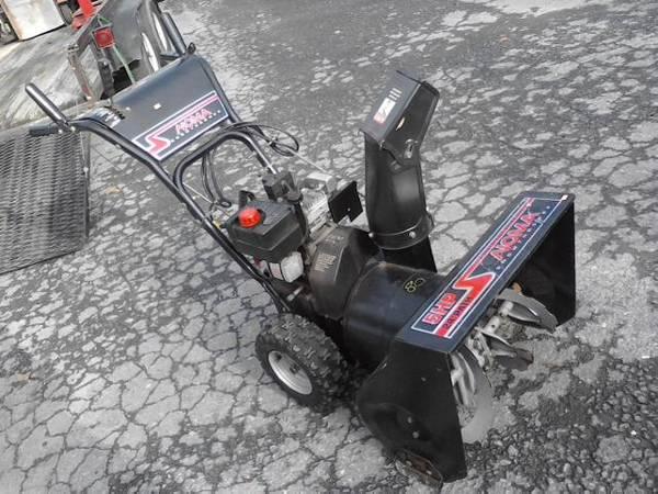Photo Noma Snow Thrower 5 HP 24quot6 Speed Self Propelled w Electric Start - $175 (Waynesboro, PA)
