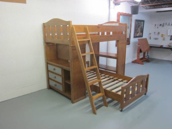 Photo Twin over Twin Loft Bed with Desk, Ladder, Shelves and Foundation - $435 (Hagerstown)