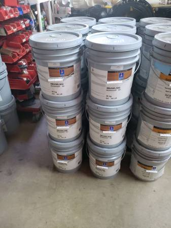 Photo (18) 5 Gal Buckets Sherwin-Williams Sher-wood WR Floorcoat M64Wal5 - $65 (Mooresville)