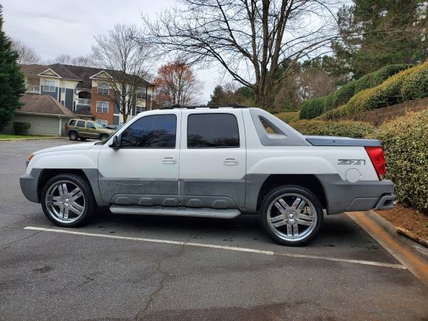 Photo 2004 Chevy Avalanche Fully Loaded - $5500 (Charlotte)