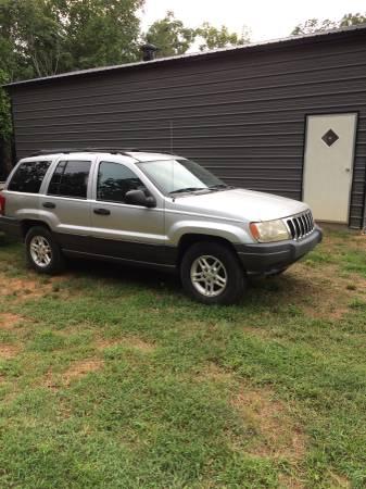 Photo 2004 Jeep Trade - $1 (Woodleaf)