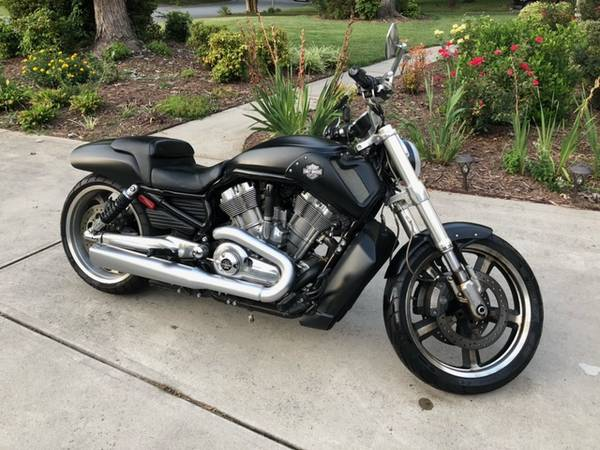 Photo 2012 Harley-Davidson Motorcycle V-ROD MUSCLE - $9,900 (Charlotte)