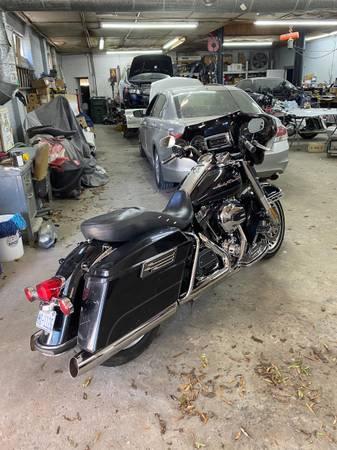 Photo 2012 Harley Davidson Road King - $7,000 (Rock Hill, SC)