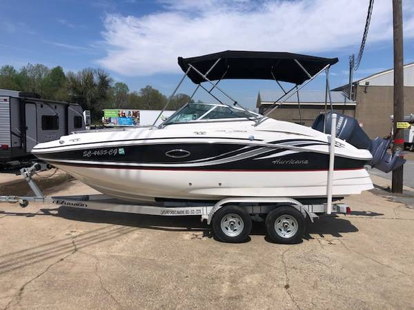 Photo 2012 Hurricane SUNDECK 2000 Boat with Yamaha 150 for sale - $26500 (Greenville SC)