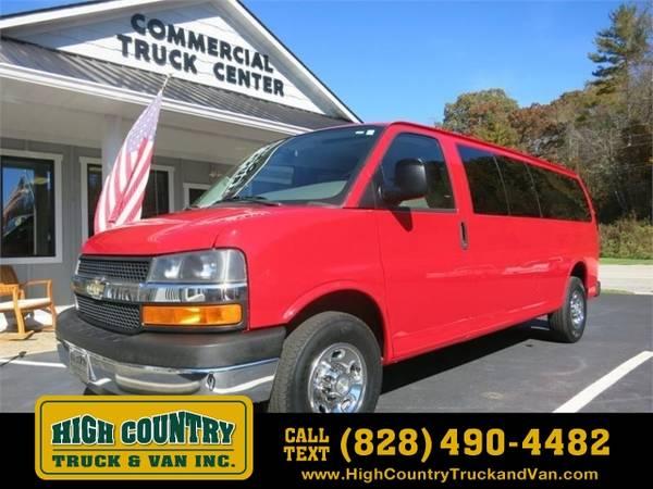 Photo 2013 Chevrolet Express Passenger EXPRESS G3500 LT 15 PASSENGER - $16995 (_Chevrolet_ _Express Passenger_ _Van_)