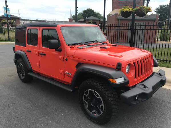 Photo 2018 JEEP WRANGLER UNLIMITED SPORT JL 4x4 - $31,500 (Forest city Nc)