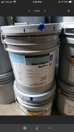 Photo 5 Gallon Bucket Sherwin-Williams Kem Aqua SoPro White FD 5801 - $65 (Mooresville)