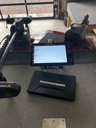 Photo Bass Tracker - loaded with everything - brand new - $23,000 (Statesville)