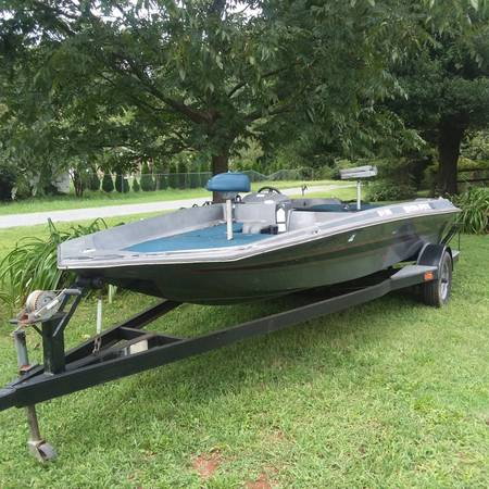 Photo Boat..trailer for sale - $2,000 (Charlotte)